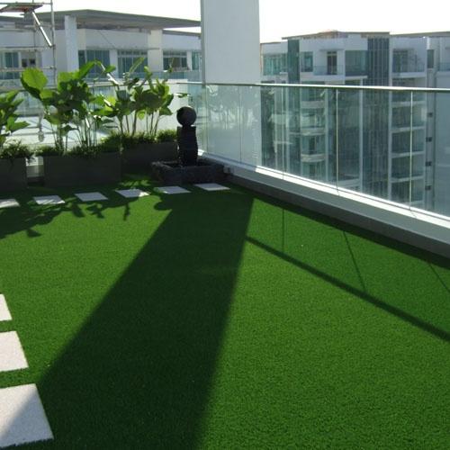 En un balcón. Visita nuestra web: www.lleidatanamediambient.com