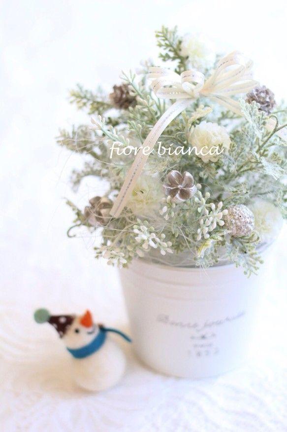 クリスマスミニツリー ホワイト×シルバー|その他インテリア雑貨|fiore bianca|ハンドメイド通販・販売のCreema