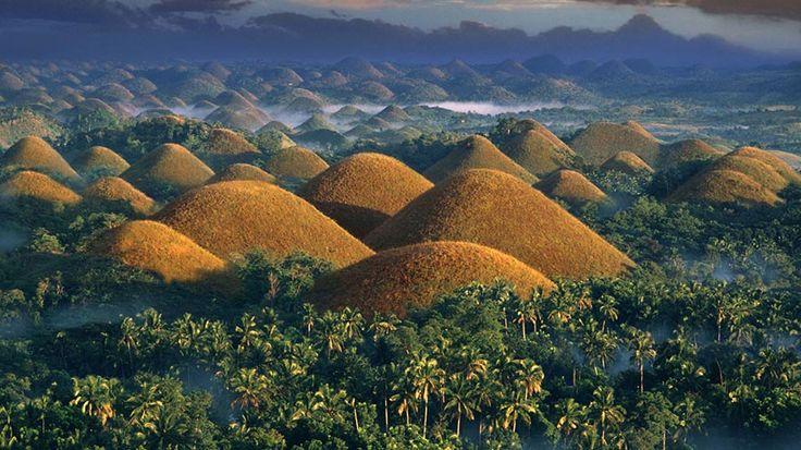 Одной из визитных карточек Филиппин являются знаменитые Шоколадные холмы