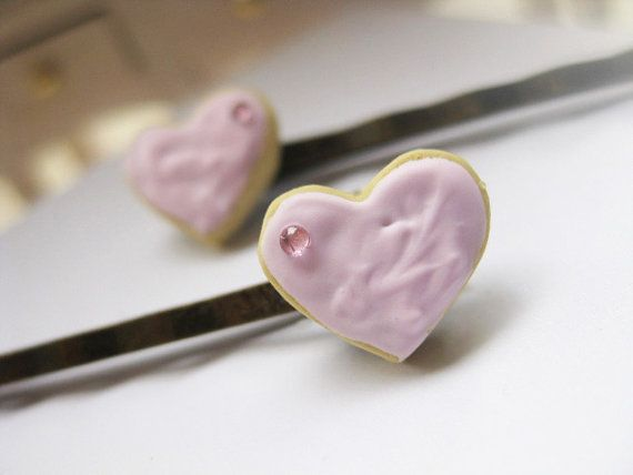 ★Don't forget to decorate you hair with sweet accessories! ★  ● Handmade heart butter biscuits with strawberry icing, made of polymer clay.  ● The heart biscuits are decorated with dazzling plastic beads.  ● Antique Bronze Metal Bobby Hair Pin Clip.  Dimensions of cookie aprox: 1,2cm x 0,8cm  -The Listing is for two pastel pink hair pins!-