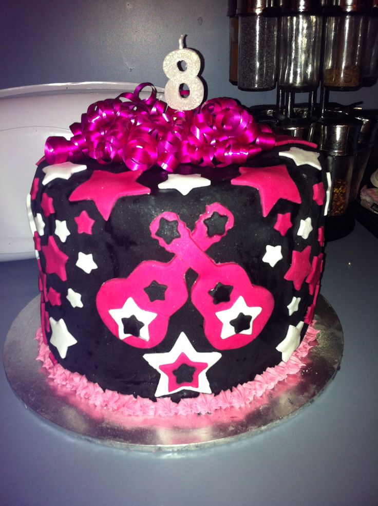Sophie's 8th birthday cake! Rock star party