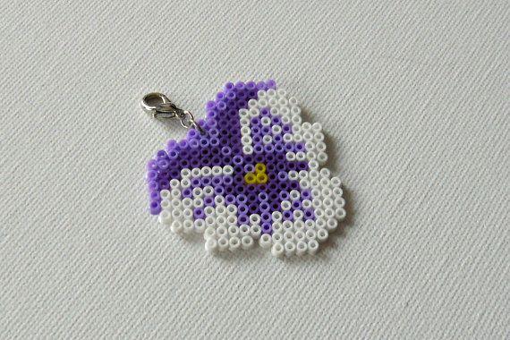 Hama mini perler flower ,Johnny jump up heartsease , Viola tricolor by Alsterbead