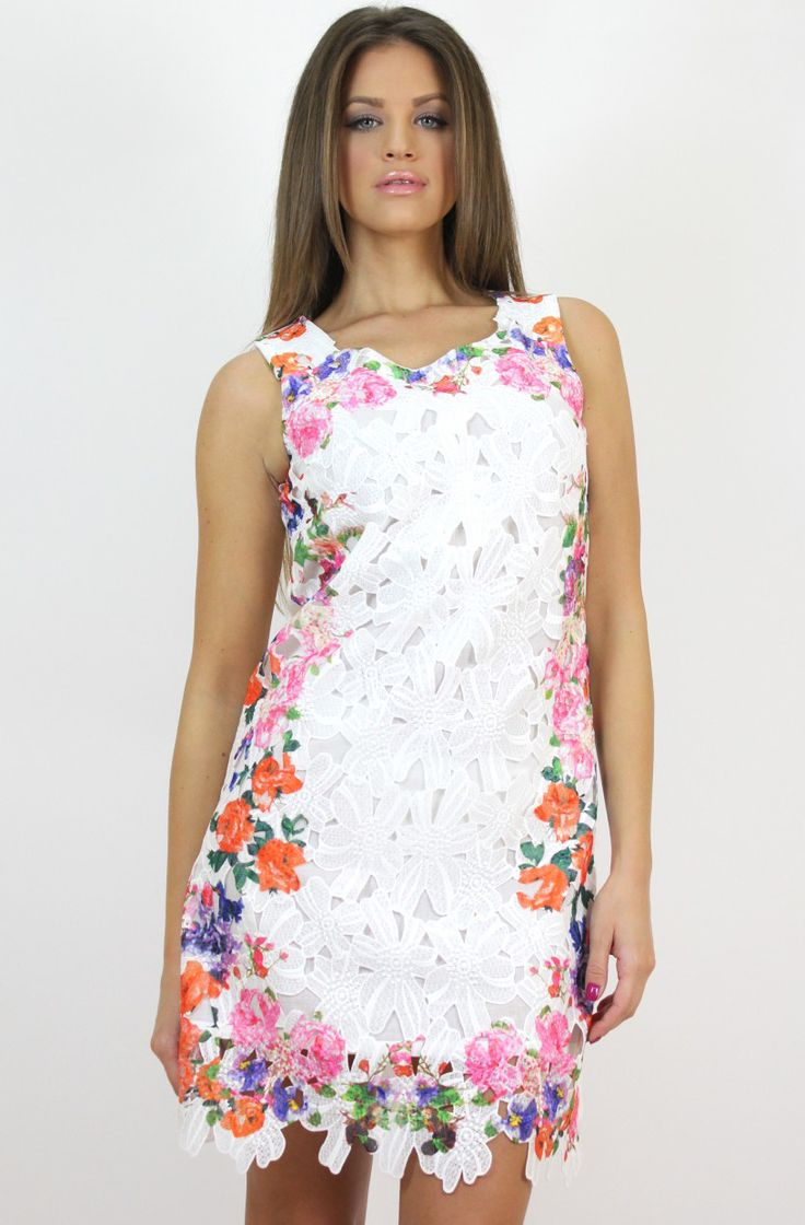 Lace and Floral Print Dress- avilable at www.famevogue.ro.   #dress #floral #fashion #style #trends