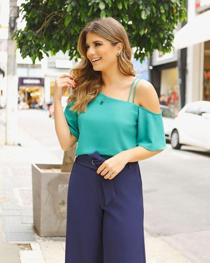 A blusa em #crepe surge com #detalhe #delicado na alça!  @arianecanovas #newcollection #summer18 #beuniquechic