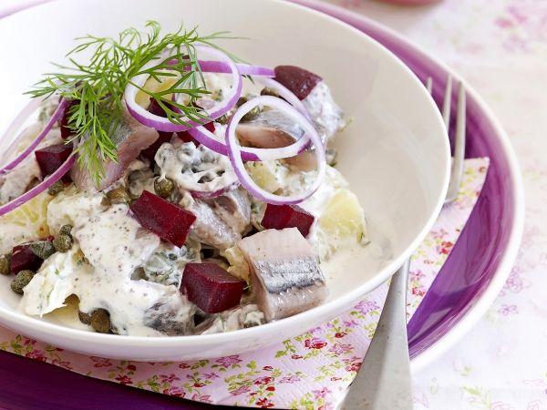 Haringsalade met aardappel en bietjes