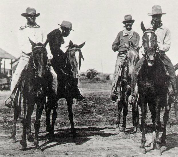 b6ea429712b58fb941d7e75d120e74b0-595x528 17 African American Cowboy and Cowgirl Images We Love