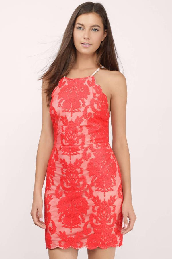 Red lace bodycon dress that'd go super well with a pair of wedges. Wear it for a casual day.