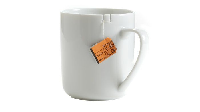 Great idea to build in a tea bag tie to this mug!Teacups