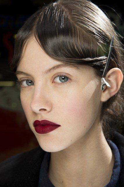 Lynsey Alexander for Mary Katrantzou - fall 2016 makeup - matte velvet red lips - beauty trends