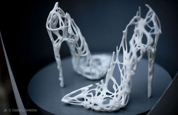 NU:S  Parametric 3D Printed Shoes   design by: Alessio Spinelli + Maurizio Degni + Arturo Tedeschi_3D printing