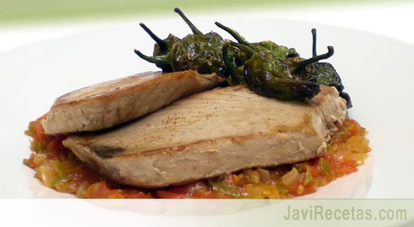 Para mañana mira qué FÁCIL y qué SANO!!!  http://www.javirecetas.com/atun-a-la-plancha-con-verduras-receta-facil/