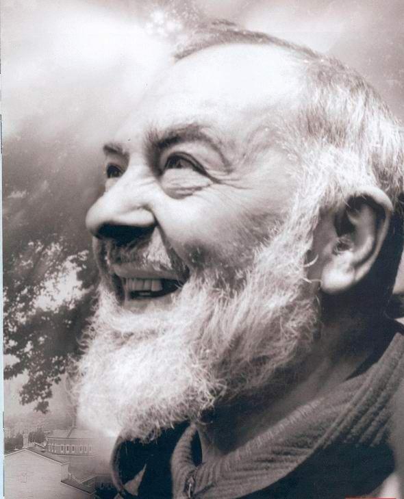 """"""" Dieu ne permettra pas que tu te perdes, si tu persistes dans ta détermination de ne pas Le perdre. """"    St Padre Pio"""