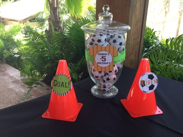 SOCCER BIRTHDAY PARTY | CatchMyParty.com