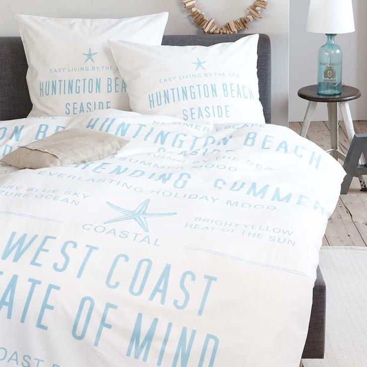 Bettwäsche in Weiß mit blauen Schriftzügen / white bed linen with light blue writing  #impressionen #schlafzimmer