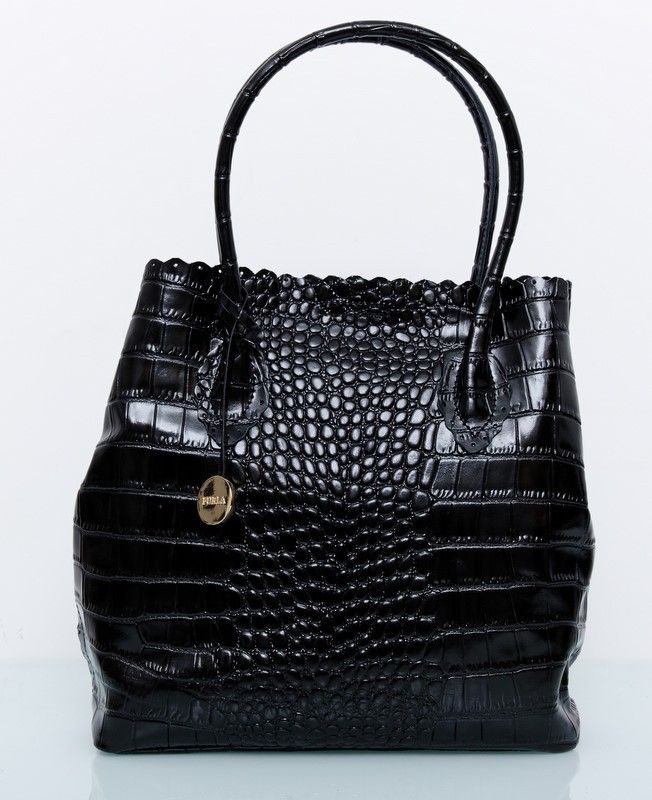 Кожаная сумка Furla  PAPERMOON Tote черная под кожу крокодила !! Последняя распродажа модели !! Продаётся с большой скидкой !! !! Отличное качество и низкая цена !!