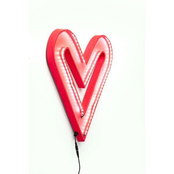 Φωτιστικό τοίχου Heart Small LED Δημιουργήστε μία ρομαντική ατμόσφαιρα στο χώρο με μία μεγάλη κόκκινη καρδιά που θα διακοσμεί και συγχρόνως θα φωτίζει το χώρο σας, Energy class: A, συμπεριλαμβάνει λάμπες Led 4,8W . Υλικό : Μεταλλικό φωτιστικό