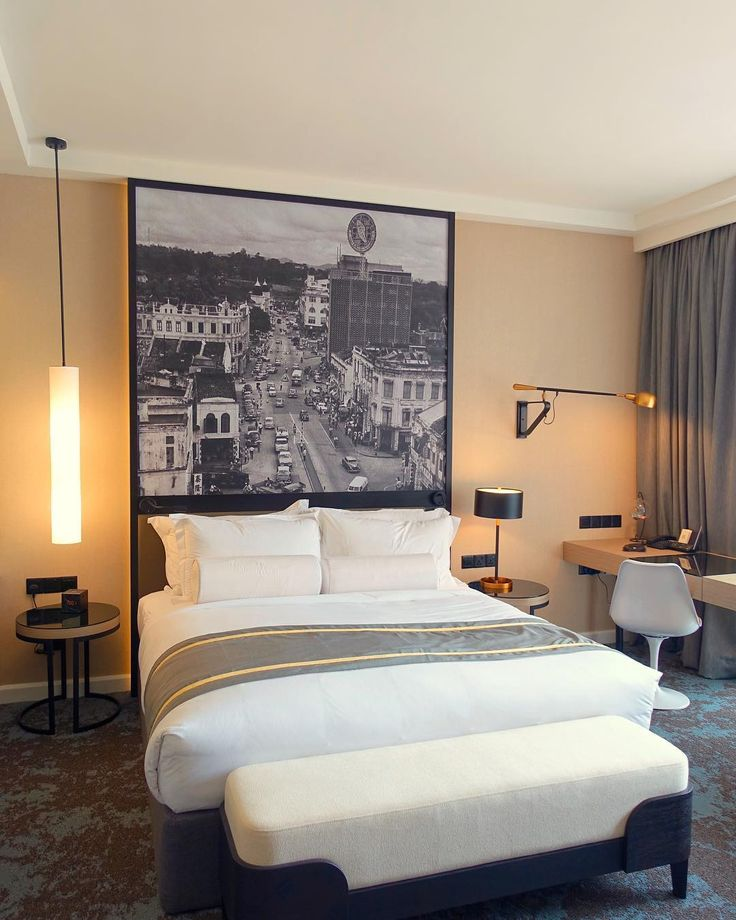 [New blog post! Link in Bio] Love how this boutique hotel decorated their rooms with a large B&W picture of the good old days of this Kuala Lumpur neighborhood... Great way of paying homage to the past isn't it? __________________________ Hotel Stripes Kuala Lumpur is located at Jalan Kamunting downtown of Kuala Lumpur where some of the 1940s shophouses are being transformed into cafes galleries and local business. __________________________ : Sony RX100M3 @sonymalaysia  #TravelAsia…