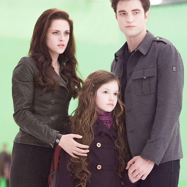 Edward, bella, and nessie breaking dawn part 2