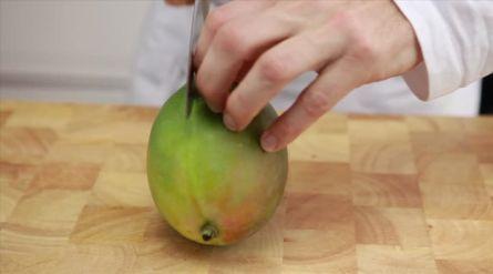 Lunchwrap met aardbeien, avocado en mango - Recept - Allerhande - Albert Heijn