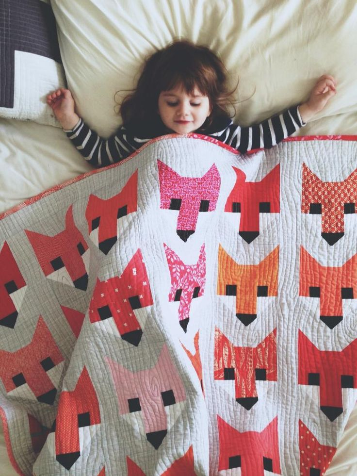 "Beautiful ""Fancy Fox"" quilt by Astrid of Red Red Completely Red. (Pattern by Elizabeth Hartman available here for $10: http://ohfransson.bigcartel.com/product/fancy-fox-quilts-pdf-quilt-pattern"