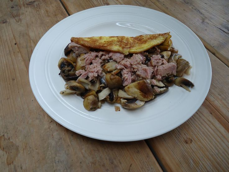 Eierwrap met tonijn en champigons