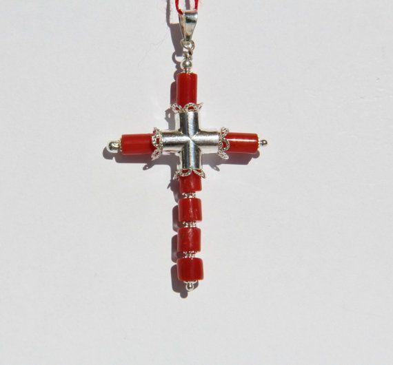 Croix  chrétienne en CORAIL CORSE certifié et par CORAILcorsica