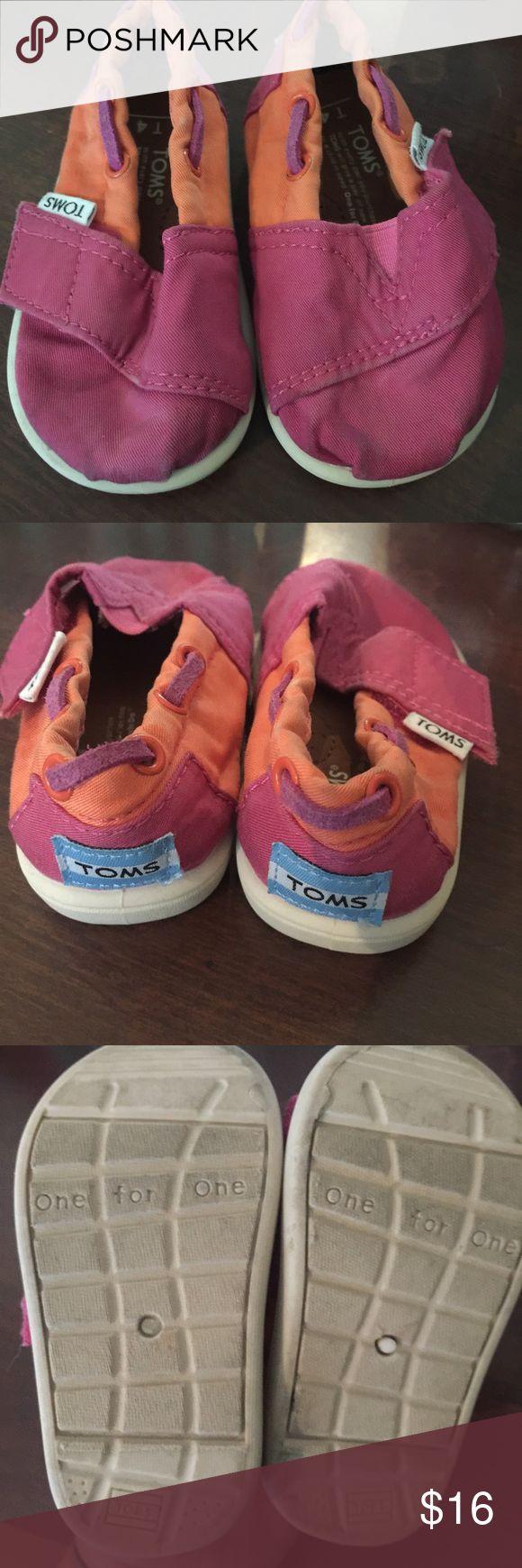 Kids Toms Cloth toms. Size 4. TOMS Shoes
