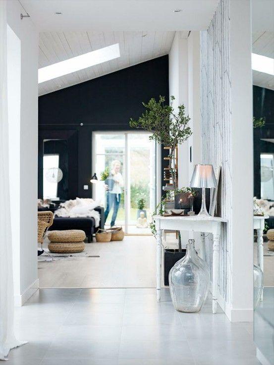 -: Decor, Living Rooms, Black Walls, Black And White, Interiors Design, Dark Walls, Black Accent Wall, White Interiors, Accent Walls