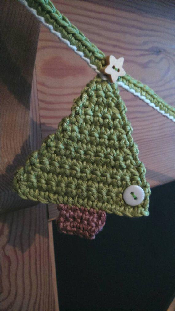 Christmas Tree Bunting Christmas decoration by CrochetMaidUK
