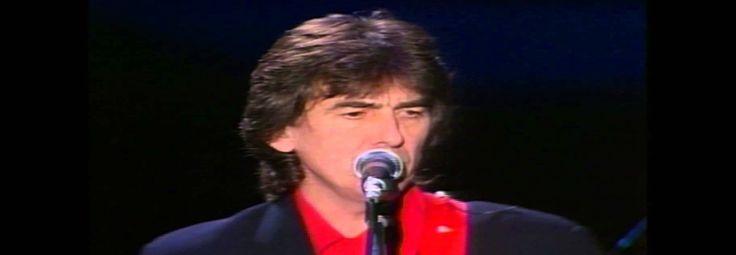 George Harrison, como artista solo, nunca foi muito de tocar ao vivo. Exceto pela tortuosa excursão de 1974 pelos EUA para divulgar Dark Horse – quando sua voz foi atingida pelos efeitos da laringite – o saudoso beatle caiu na estrada apenas em 1991, ao lado de Eric Clapton.Pior: apenas no Ja