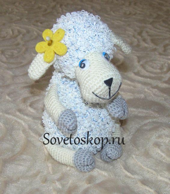 Кучерявая овечка связанная крючком