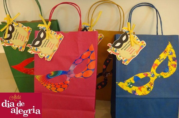 Ateliê Dia de Alegria: Personalizados para Festa Tema Carnaval