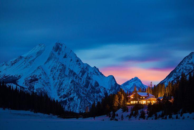 Plus grand domaine skiable au monde, le domaine des 3 Vallées ne manque pas de charme à la nuit tombée | France #France #Courchevel #Meribel #Montagnes #Moutains #Alpes #Alps #Paysage #Landscape