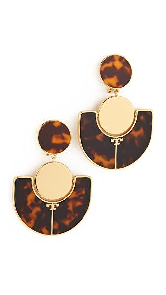 ¡Consigue este tipo de pendiente de TORY BURCH ahora! Haz clic para ver los detalles. Envíos gratis a toda España. Tory Burch Art Deco Statement Clip On Earrings: Tortoiseshell inlays mix with gold-tone accents on these Tory Burch statement earrings. Clip-on. Brass. Imported, China. Measurements Length: 2.75in / 7cm (pendiente, pendiente, earrings, earring, unerledigt, arete, en cours, in attesa, pendientes)