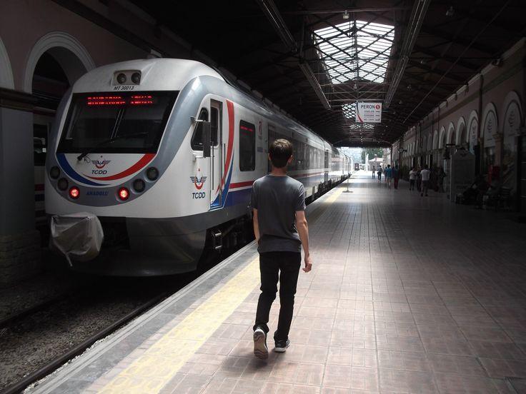 I love train stations. here's the Alsancak train station in İzmir, Turkey.