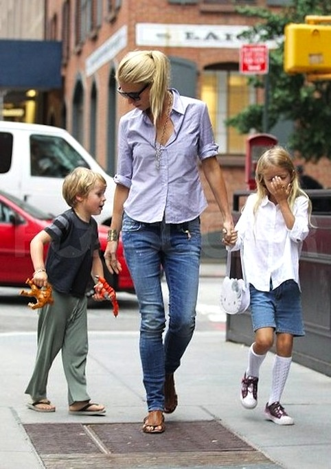 jeans + oxford | gwyneth paltrow mom style
