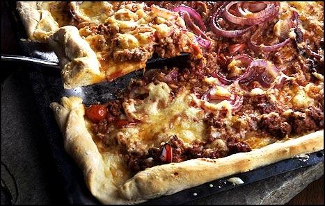 Nostalgisk, dobbeltspent «LørDan»-pizza