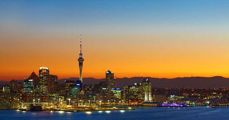 Tours in Auckland  Tours are a great way to see Auckland. Choose from five-star coach tours, fun backpacker or budget bus tours, personal guides or luxury limousine rides. See the main attractions or join a special interest tour, from walking to wine. 