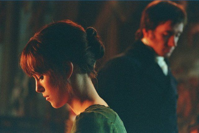 Still of Keira Knightley and Matthew Macfadyen in Περηφάνια και Προκατάληψη (2005)