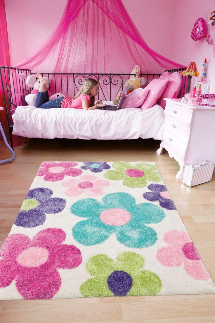 Handgemaakt, hoogpolig #meisjeskamer vloerkleed met  #pastelbloemen. Kinderkamer vloerkleden collectie Arte Espina.