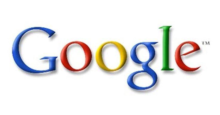 Cómo invertir en acciones de Google. El 19 de agosto del año 2004, Google, Inc. ofreció sus acciones para cotizar en la bolsa de valores NASDAQ bajo el símbolo de cotización GOOG. La oferta pública inicial (OPI) era de $85, y desde entonces se ha ido incrementando. Invertir en acciones de Google no es diferente a invertir en otras acciones disponibles en varias bolsas de valores, ...