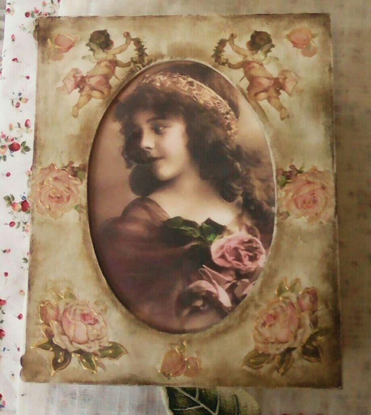 Ξύλινο κουτί βιβλίο με θήκη για φωτογραφία της αρεσκείας σας  💌💛🎈