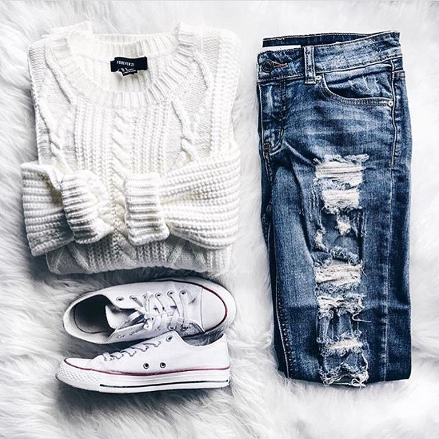 Do you like this Forever 21 sweater? #style #fashion