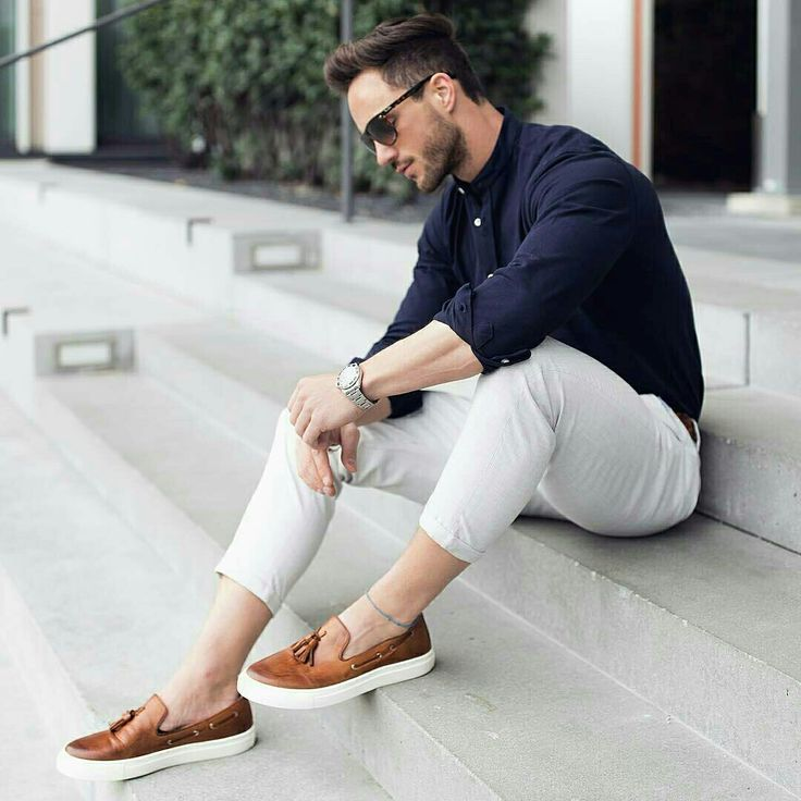 I really like these loafers! Classic with a twist. Would look great w white pants