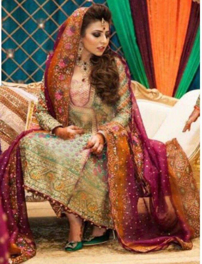 Pakistani bride in Farah Talib Aziz.