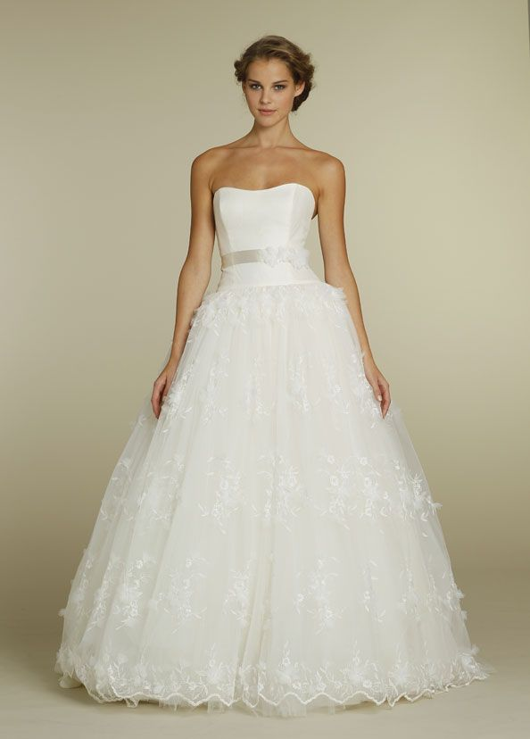 Tara Keely - TK2208 Size 10 - Available at GIGI of Mequon in WI. www.gigiofmequon.com