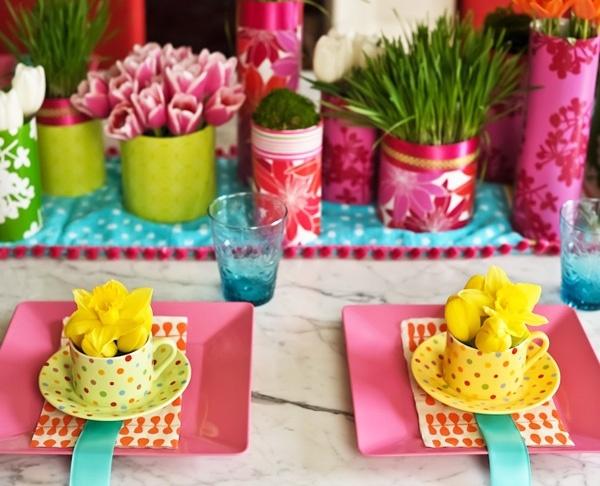 Libevolle Tischdeko für Ostern vorbereiten-Tischdecke Geschirr-Gelb