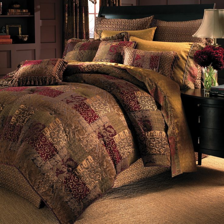 Romantic, refined and regal red, this bedding collection is sumptuously rich in style, tone and fabrication. The omforter features a patchwork jacquard that is a sumptous blending of paisley, damask diamond and lattice motifs.
