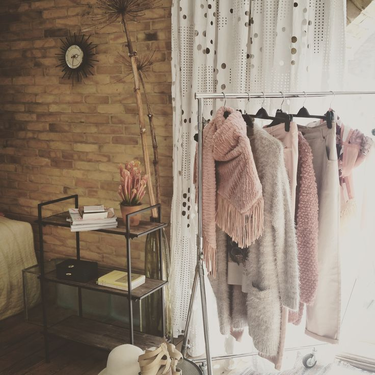 Soft pink | Neutral | Fashion | Plussize fashion | Home inspiration | Dressing room