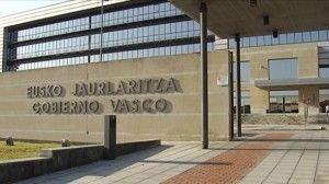 """Articulo sobre mi tesina """"Cambio y Evolución del Sistema de Partidos Políticos en Euskadi."""